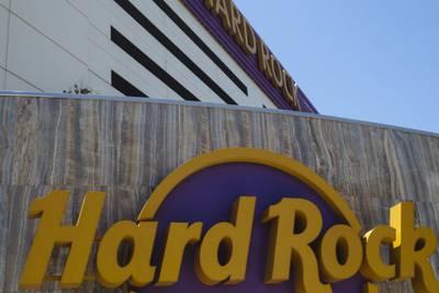 Alabama man dies after falling from Biloxi casino parking garage